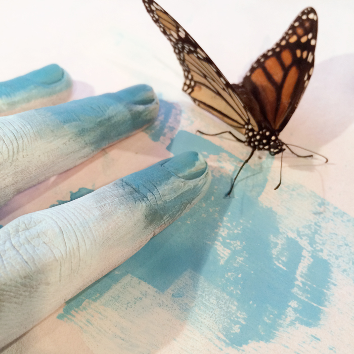 Mimi blue fingerspost