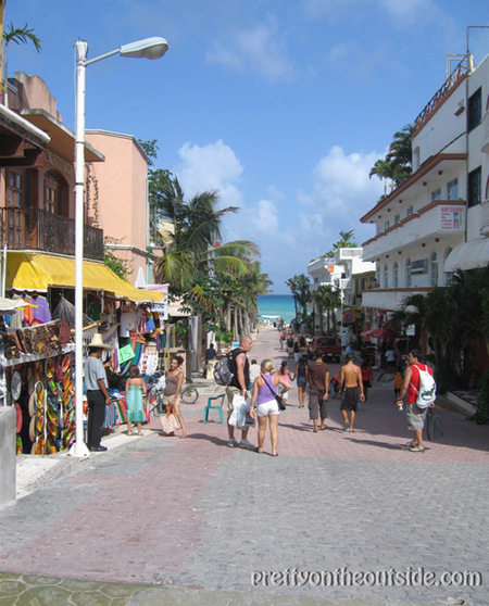 Playa_sidestreet